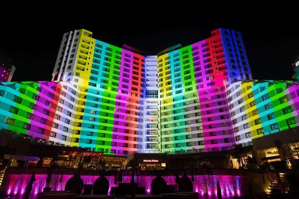 Cancum Hotel Projection